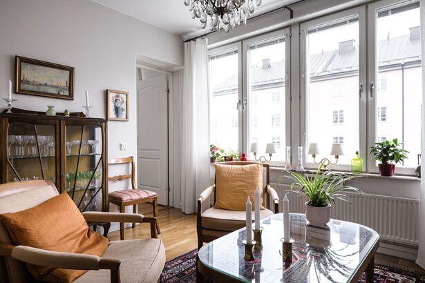 Bild för uppdrag: Måla om en lägenhet i Sundbyberg, inom 3 månader
