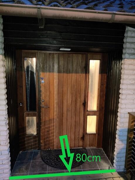 Bild för uppdrag: Byta och flytta ut ytterdörren i Sollentuna