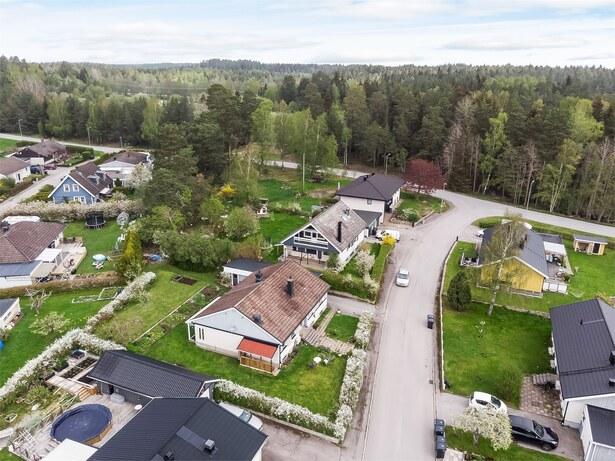 Bild för uppdrag: Dränering av villa i Upplands-Bro, inom 3 månader