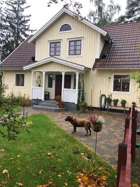 Bild för uppdrag: Fasadmålning och renovering i Täby, Inom 12 månader